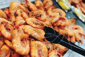 noosa seafood market prawns